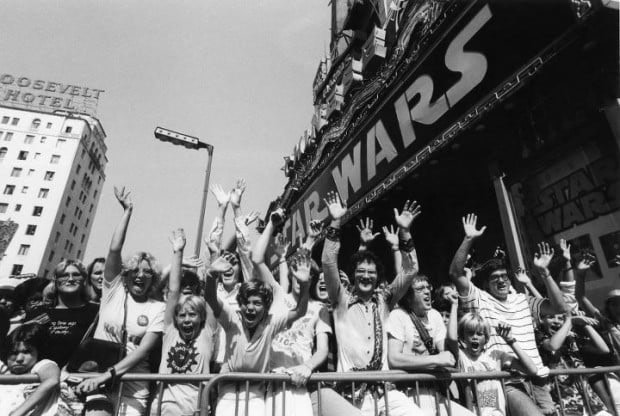 star wars crowd mann's chinese theater from hollywood blvd 1977