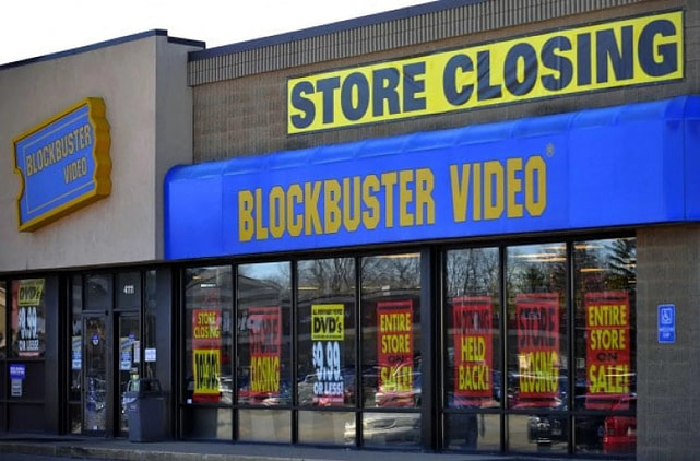 blockbuster video store going out of business sale - no Star Wars shirts for women (or anybody else) here anymore!